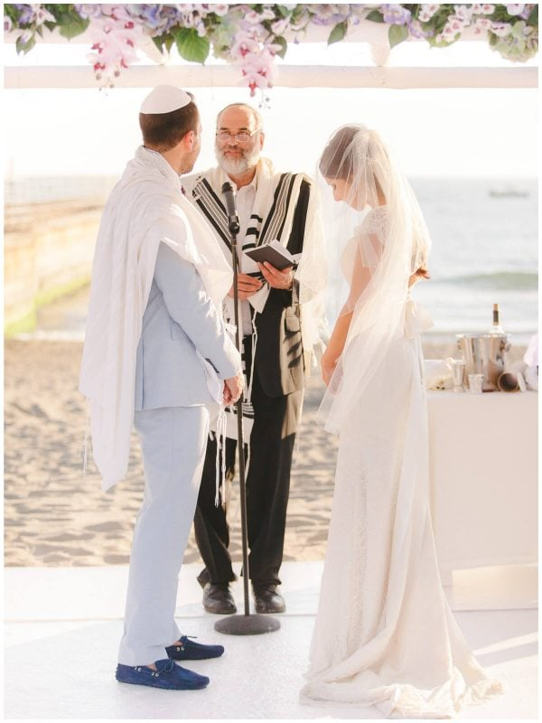 jewish ceremony on the beach