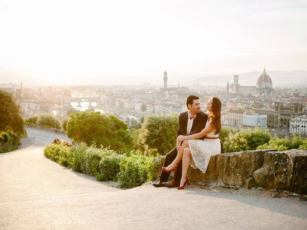 5 top spots for Tuscany engagement photos