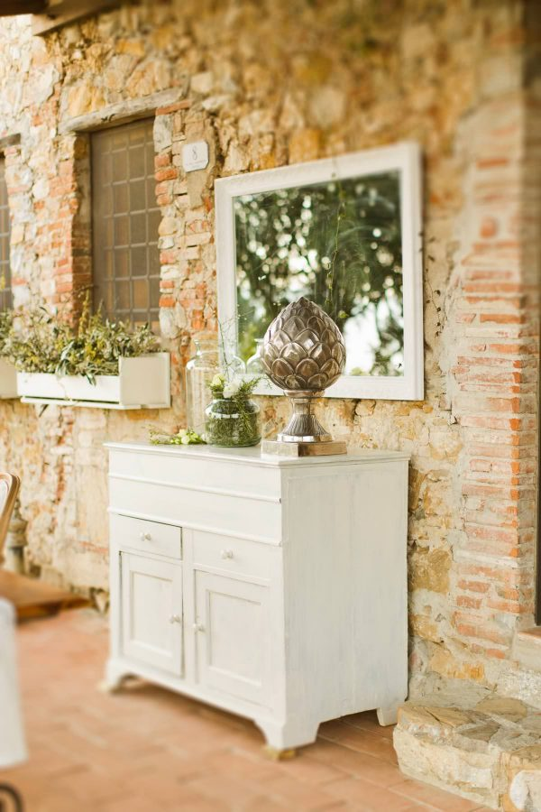table decor by il bianco e il rosa wedding planners