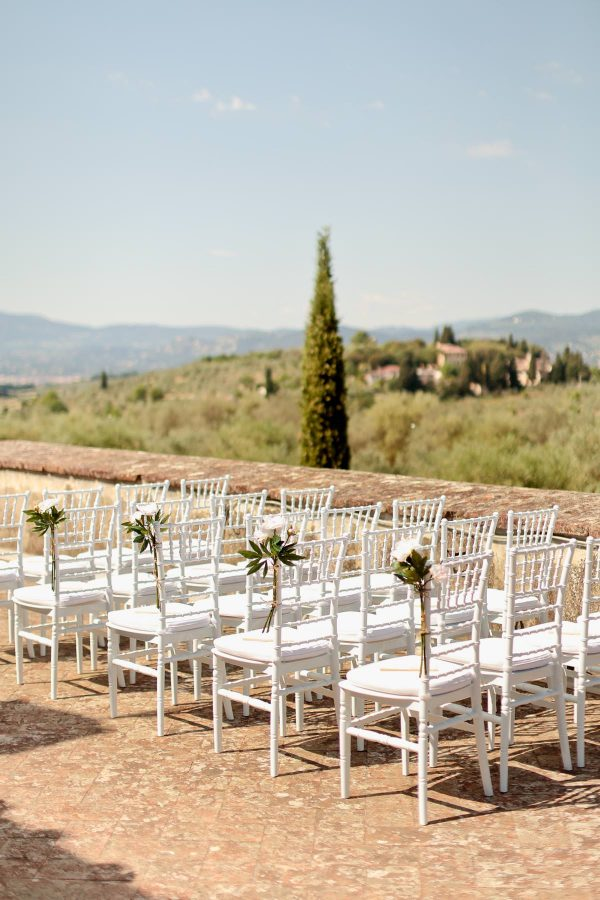 ceremony setting at villa di lilliano