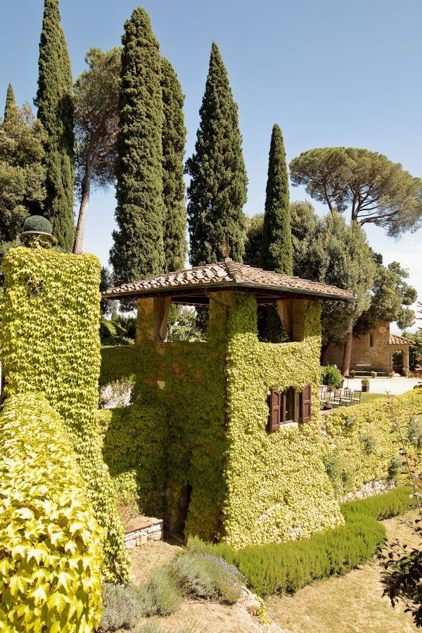 detail of villa le fontanelle