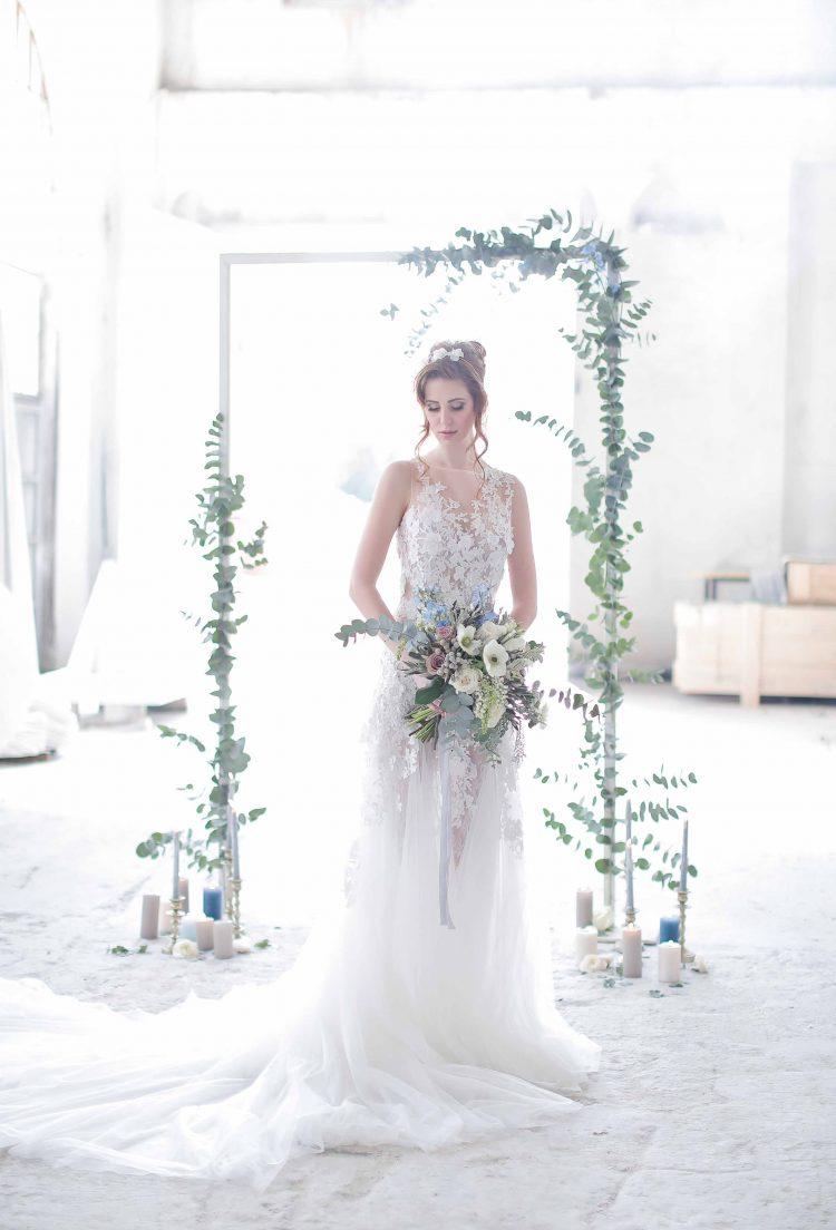 bride in her pronovias dress